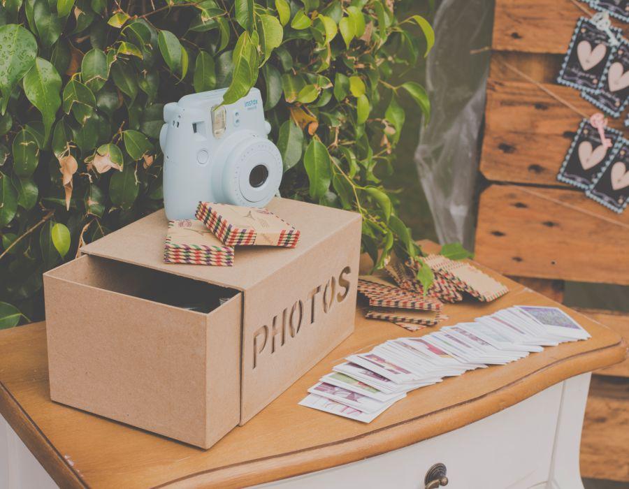 Libro de firmas y decoración para boda con polaroid