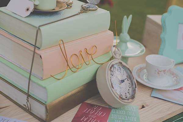 Wonderland Wedding Decoraciones Creativas, Photocall, Seating, Libro de firmas
