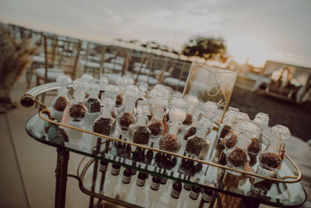 Decoración boda Málaga, rincón del arroz o pétalos