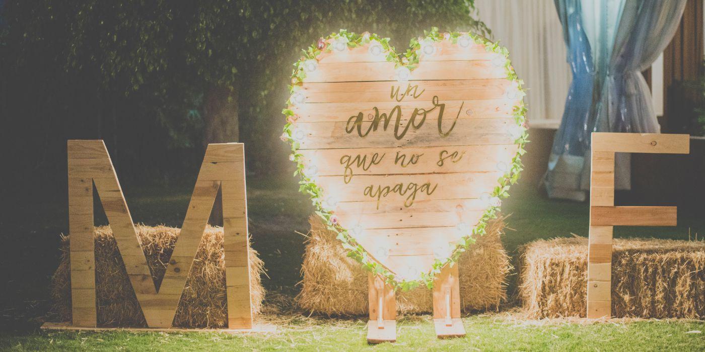 Decoración para bodas, letras gigantes