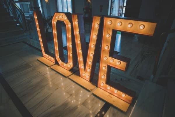 Iniciales con luz, iblue bodas Málaga