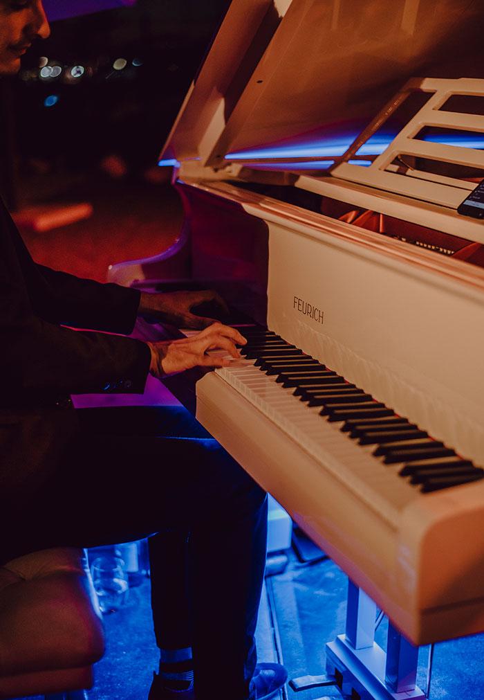 Musica en vivo para bodas durante la cena
