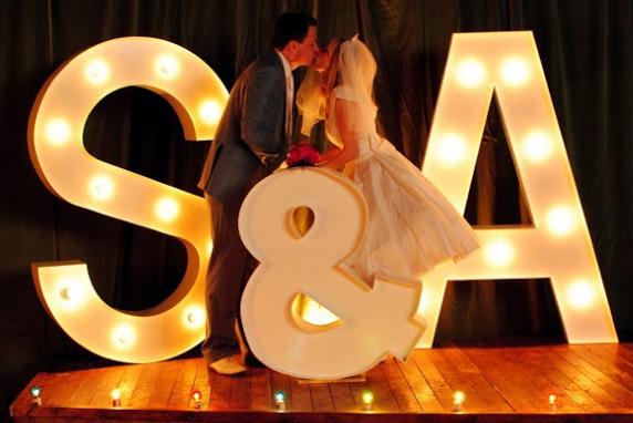 Ilumina tu boda con letras, letras grandes boda, para bodas de cine