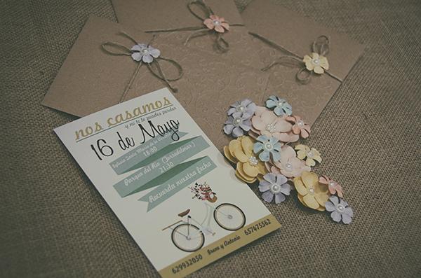 Invitaciones Vintage Kraft con Flores de papel