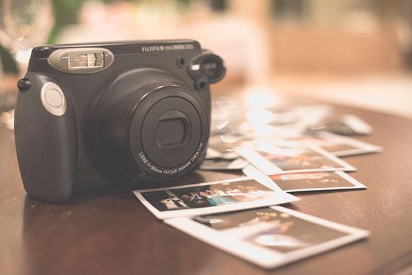 ideas originales para bodas, libro de firmas para bodas, fotografo de bodas malaga, polaroid en tu boda