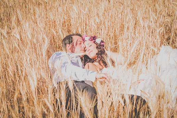 postboda romantico, campo de trigo
