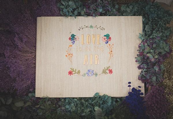 Albumes de fotos originales y personalizados decorados con flores de colores y letras