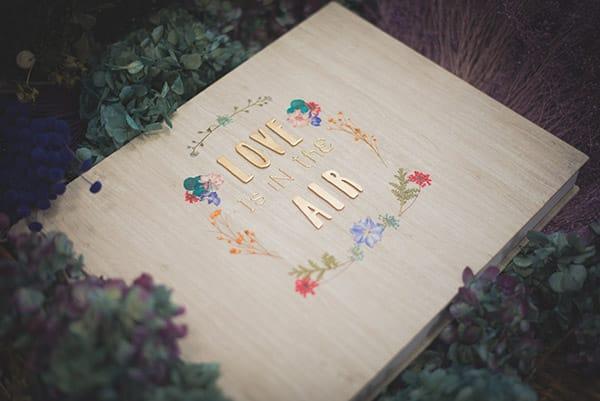 Albumes de fotos originales y personalizados decorados con flores de colores
