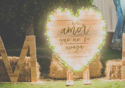 photocall-boda-rustico-luces
